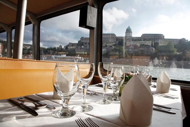 Budapest Paseos en barco y más