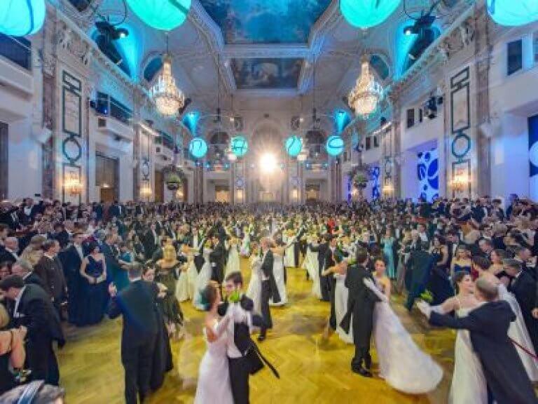 (c) Hofburg Silvesterball